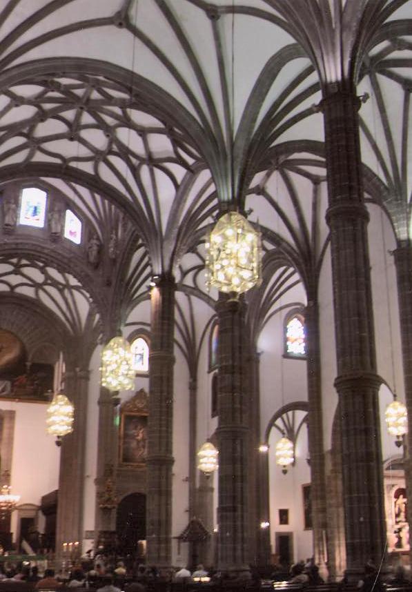 Hijos de est vez elaboran las luminarias de la catedral de for Arquitectura las palmas